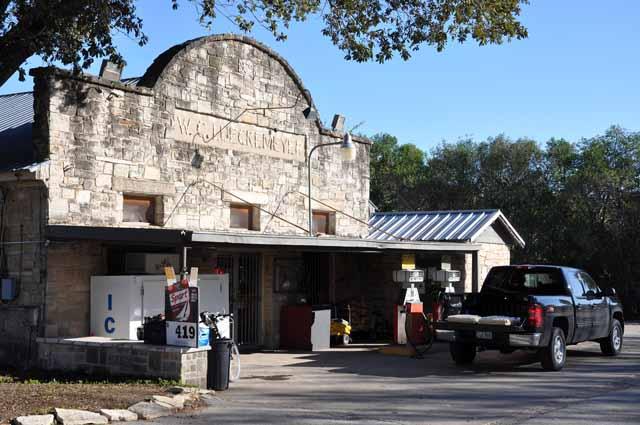 Tag 45 111 und 112 In diesem alten Laden in Independence gibt es ein Buch, in dem sich Southern-Tier-Radler eintragen können.