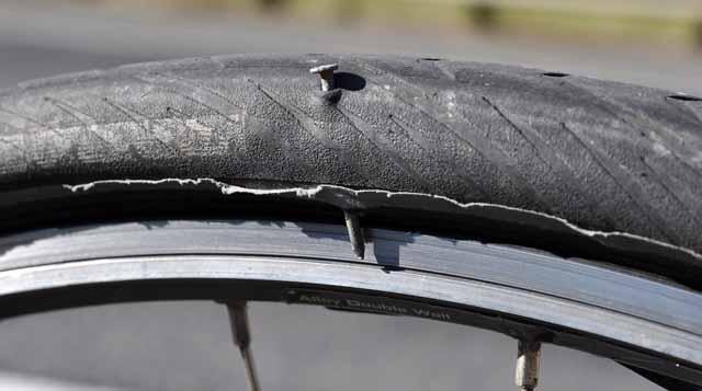 Tag 51 116 Gleich nach der Grenze zu Louisiana hat ein Nagel gleich zwei Löcher im hinteren Reifen und Schlauch verursacht. Der Reifen bekam an der Stelle später eine Beule, ich musste ihn wechseln.