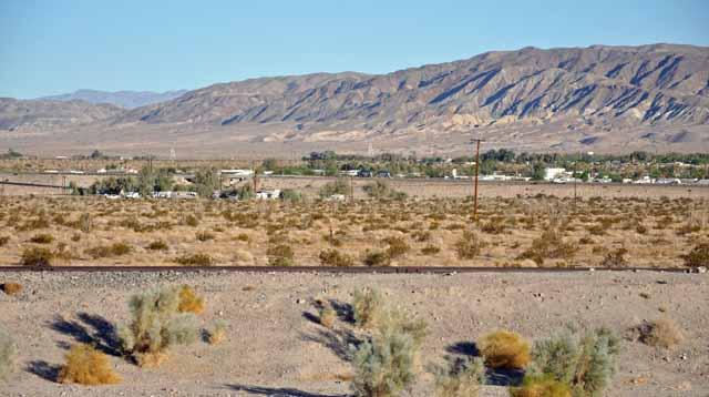 Tag 5 21 Blick auf Ocotillo - eine Tankstelle und einige Häuser.