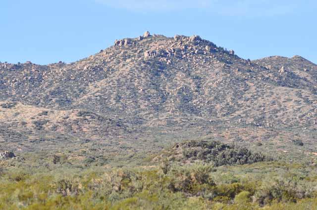 Tag 15 56 und 57 Das Apachenreservat ist karg. Die Menschen leben ärmlich in ihren Häusern. Ärgerlich: Am Rande des Highways lag dort extrem viel Müll.