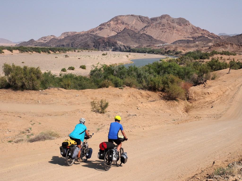 Namibia Der Fluss Oranje ist die Grenze zu Südafrika.