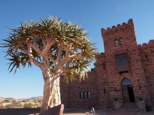 Namibia Mitten im Nirgendwo: Schloss Duwasib hat ein deutscher Adliger erbauen lassen.